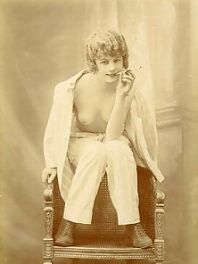 Some real old and vintage naked art babes thirties pictures