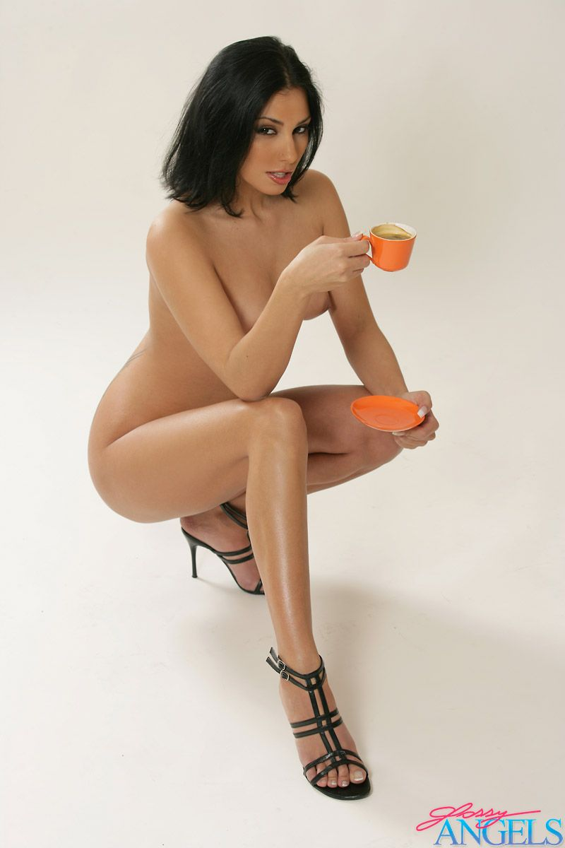 Naked coffee girl, http www sexinvideos com