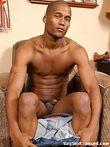 Black gay Bill strips and shows his hairy cock