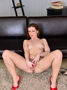 Redhead Babe Shows Her Stretched Hairy Pussy
