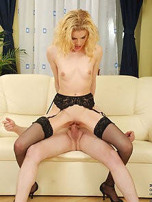 Anilos housewife Scarlette Sax gets her ass licked and fucked