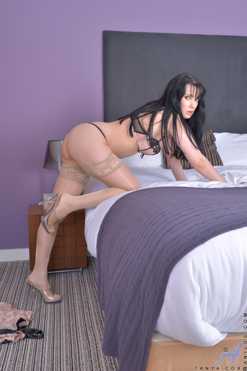big booty milf tanya cox wears mouthwatering lingerie - movie shark