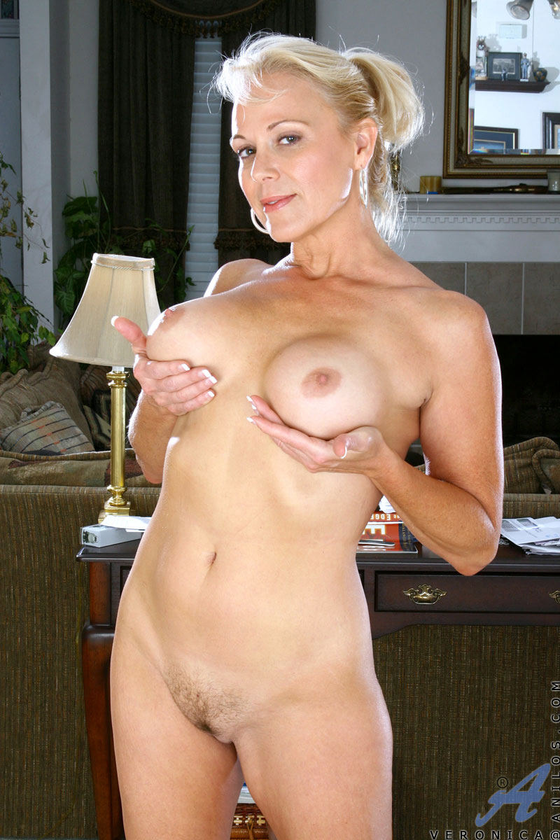 Blonde Cougar Veronica Flaunts Her Mature Nude Body And Her Huge Boobs -7959