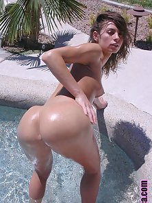 perfect bubble butt latina gets banged after a swim