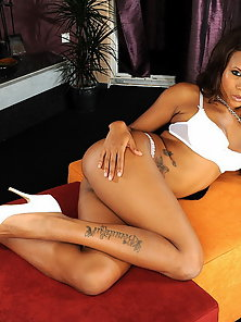 Black babe Keisha masturbating with several toys