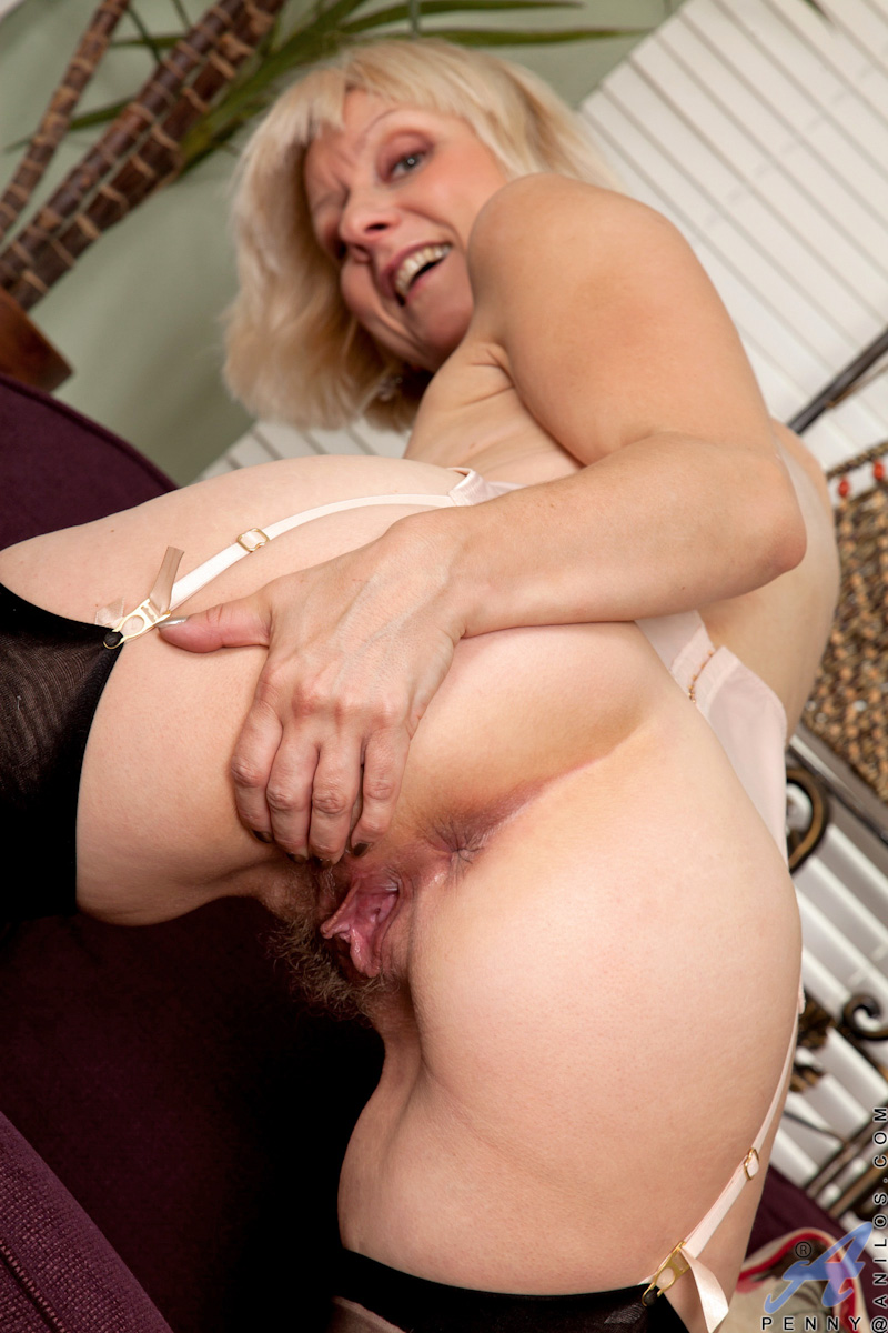Hot Anilos Granny Wears Stockings As She Shows Off Her -6120