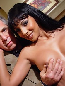 Mature guy enjoys hot ebony babe on couch