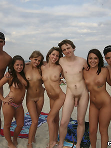 These college students love fucking for the camera!