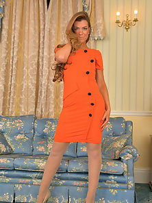 Hot mommys twat is a vision of perfection in her sheer pantyhose