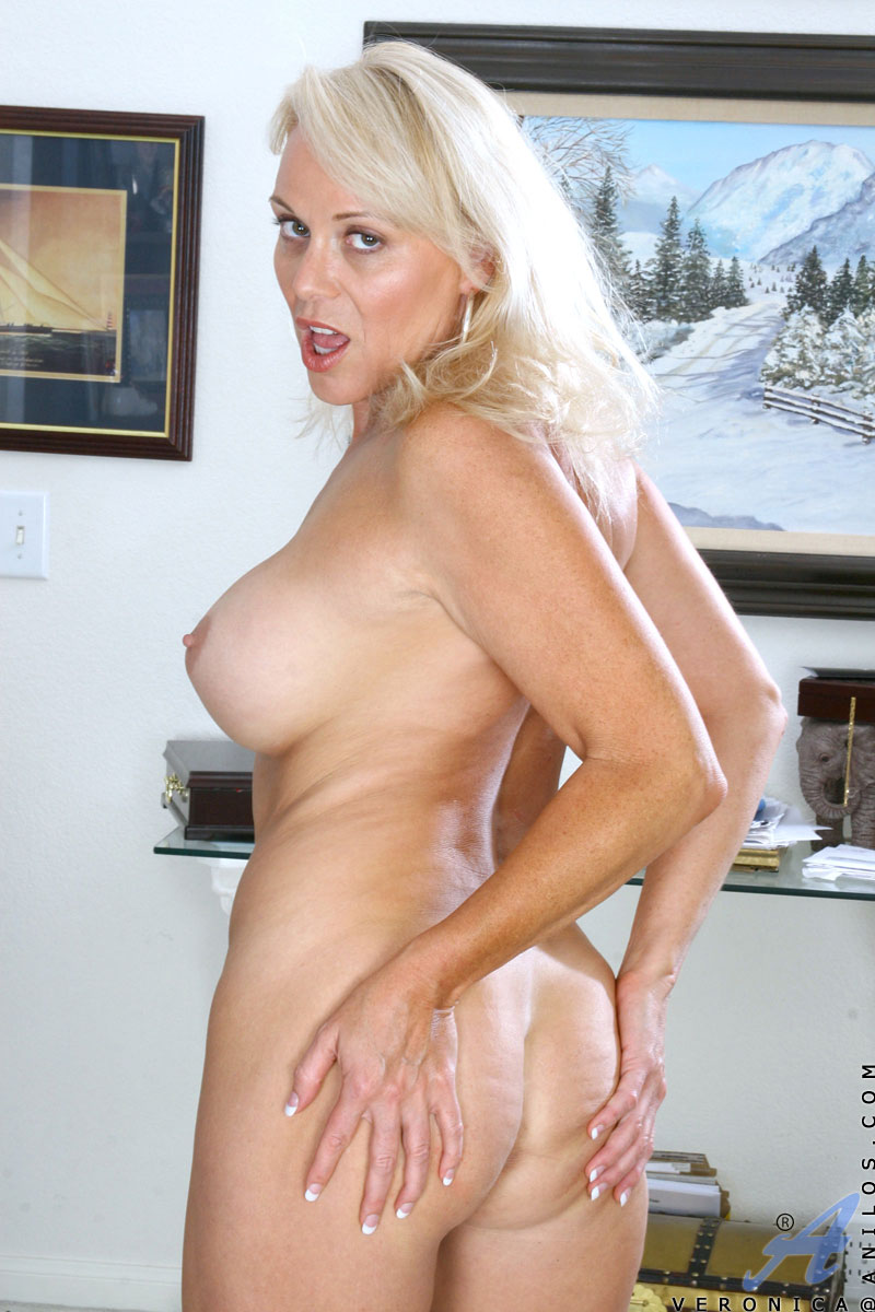 totally naked blonde milf loves to fondle her pink mature snatch