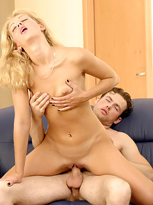 Hot babe decided to seduce her new pal after the glass of wine and started making blowjob.