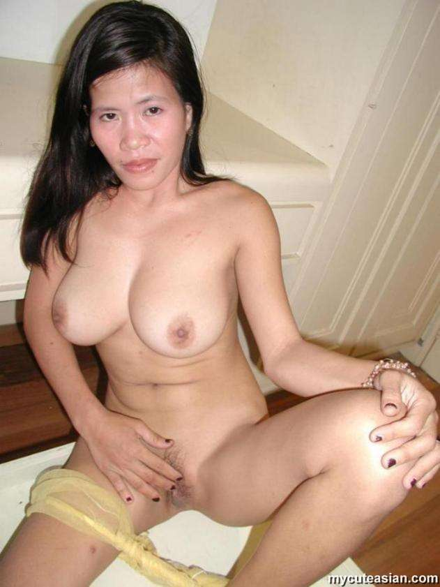 chinese-house-wife-pussy-i-lick-moms-pussy