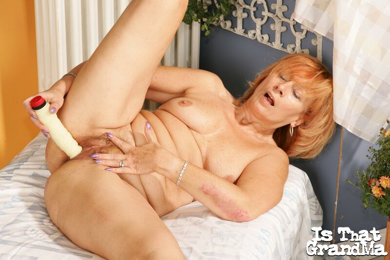 Granny with dildo close up, sexie young milf