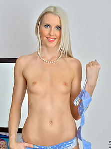 Anilos mommy with tight perky tits gets naughty in a hotel room