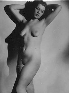 Several sexy vintage ladies showing their natural bodies