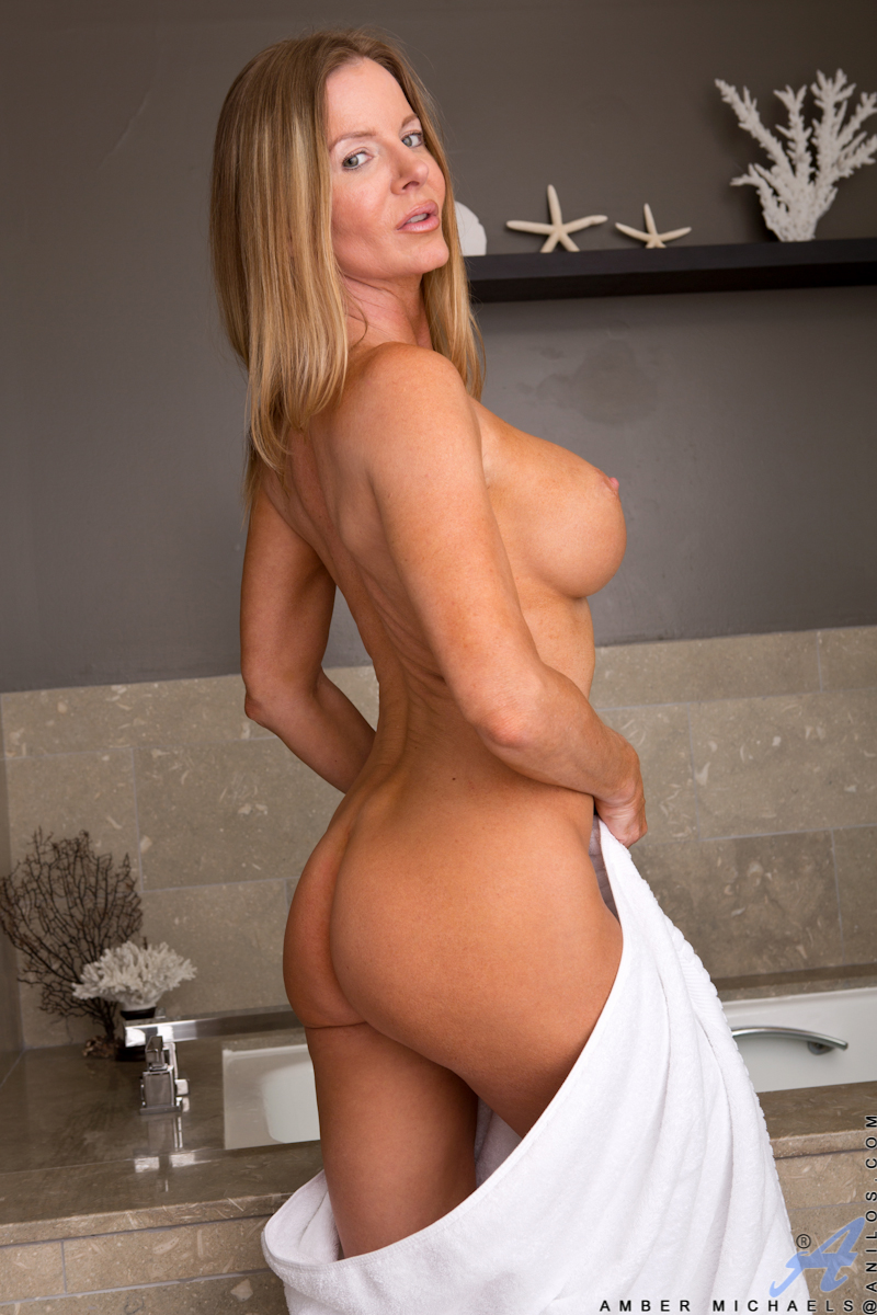 busty blonde cougar massages her dripping cunt in the bath - movie shark