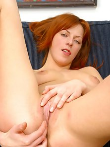 High Heel Wearing Redhead Babe Fondle Her Pussy