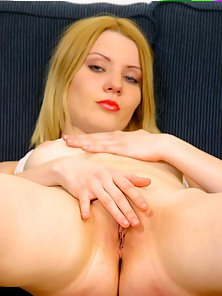 Alluring Beauty Fingered Her Pink Pussy on Couch