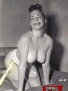 Some busty vintage girls showing their own perfect titties