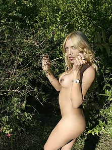 Lovely Blonde Shemale Exposing her naked Body Outdoors
