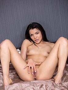 Small Tits Brunette Babe Goes Naked then Fondle Pussy