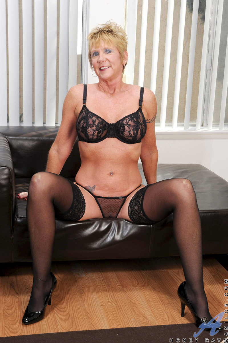 Tube black mature blonde in her stockings