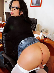 White pantyhose clad busty shemale in action