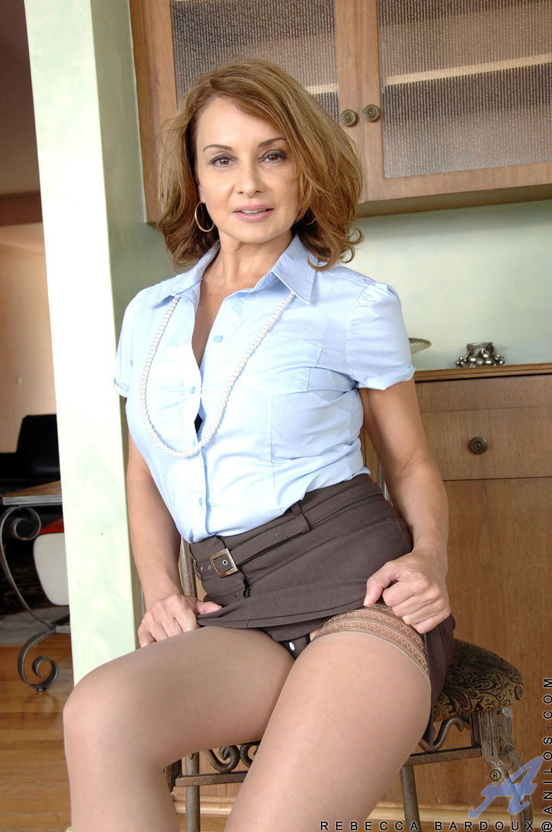 milf babe rebecca bardoux slips off her office attire revealing her