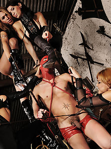 Mask slave used and abused by four shemales