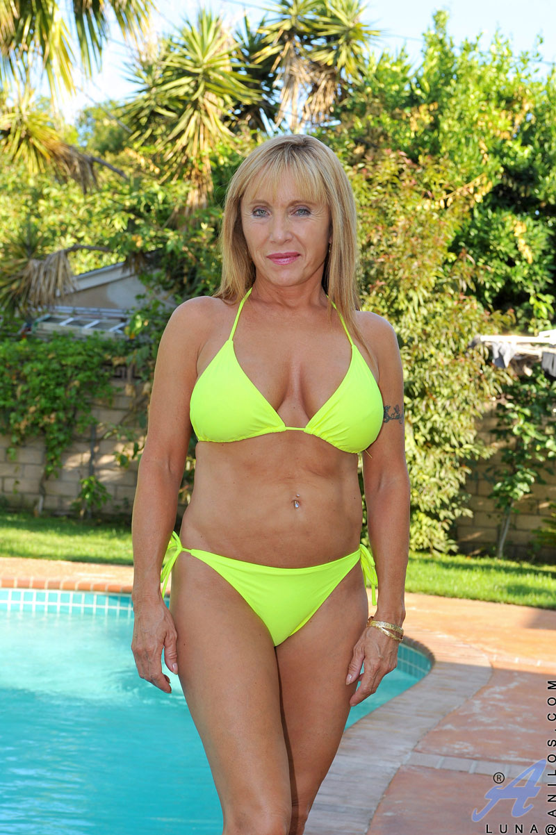 Seems excellent Mature amateur cougar bikini opinion you