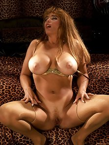 Pretty Full Figured Babe Touching Herself