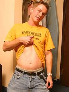 Cute twink blue-veined throbber push his boxer shorts
