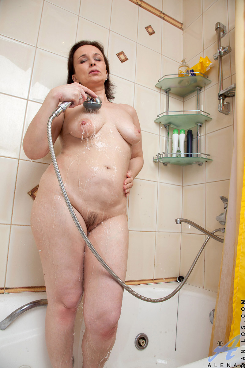 Anilos Alena Fingers Her Wet Granny Pussy In The Bathroom -1332