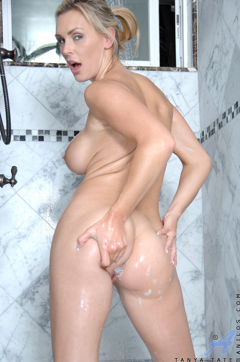 showered pornstar strokes