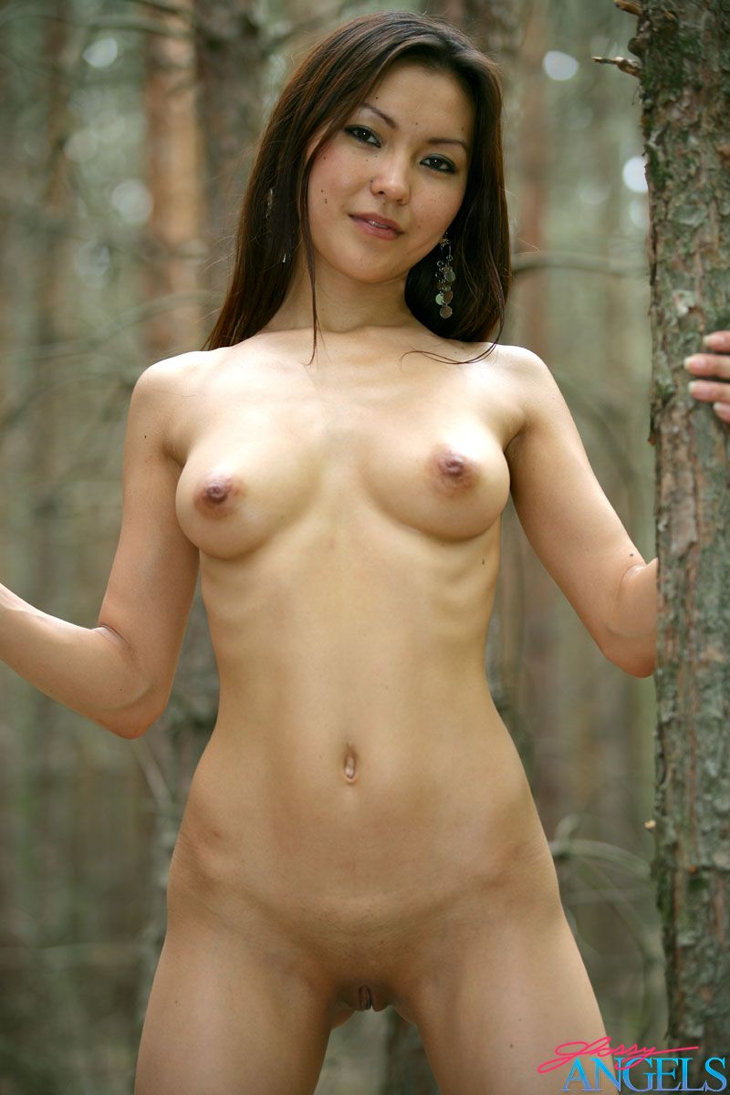 Sweet Asian Beauty Showing Her Naked Body In A Dark Forest -3223