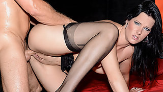 Babe Sina Velvet Gets Hammered by Her Boyfriend