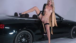 Gorgeous T-girl Aubrey Kate amazing cowgirl sexy