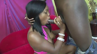 Ebony Babe Gets Rammed in Chocolate Pussy